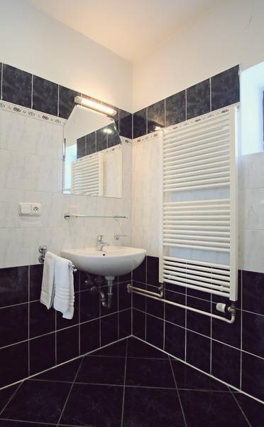 Two Bedroom Apartment Bathroom
