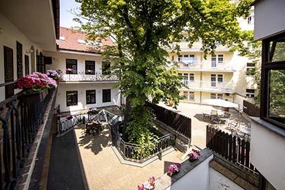 amadeus-hotel-prague-terrace-414×276